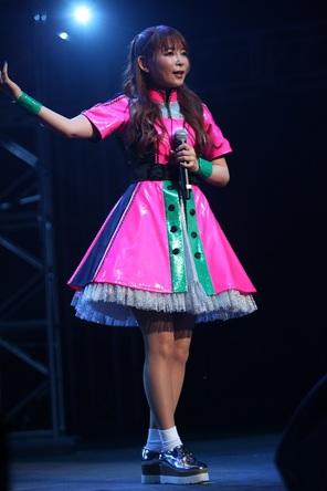 「We are OTAKU!!」の大合唱!中川翔子、2,000人のアニソンファンに迎えられNY初ライブを開催!