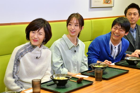 人気チェーン「丸亀製麺」「はなまるうどん」を徹底比較、安田大サーカス団長が『半沢直樹』風に再現で一同感心!