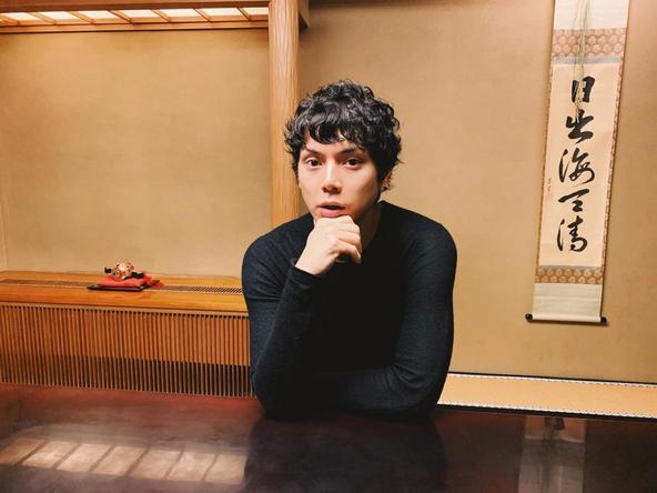 水嶋ヒロが公開した、ランチデート中の自身の写真(1)