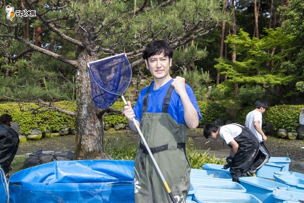 大阪・万博記念公園の池の水をぜんぶ抜く!ココリコ田中が地元大阪で凱旋水抜き! (1)