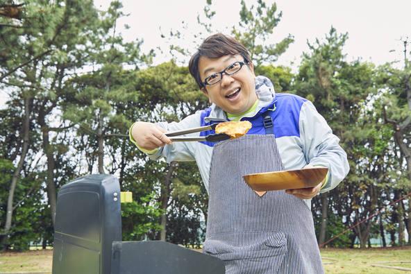 初⼼者でも簡単、おしゃれ、しかもおいしい本格キャンプ料理のレシピ本が登場  ソトレシピ初の監修本が発売!『最強のアウトドア料理』(宝島社) 2019年5月28日(⽕)発売