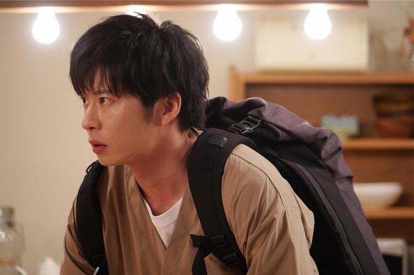 原田知世×田中圭主演『あなたの番です』第8話 手塚翔太(田中圭) (c)NTV