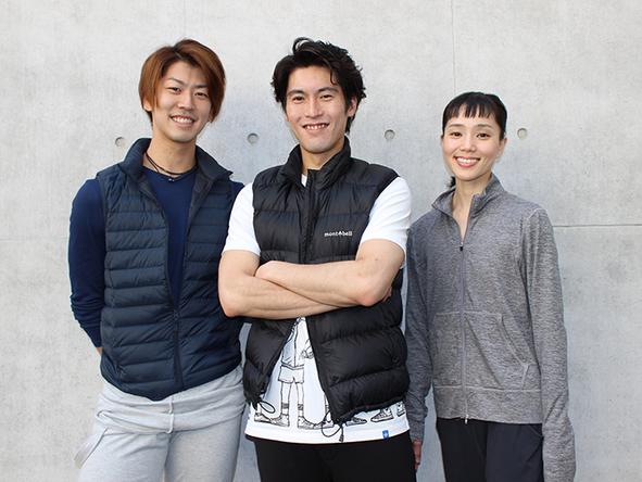 左から速水渉悟(ジーン)、福岡雄大(アラジン)、小野絢子(プリンセス) (c)西原朋未