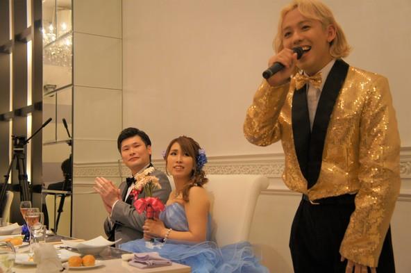 """RYUCHELL(りゅうちぇる)が結婚式でラブソング披露!""""逆サプライズ""""を仕掛けられた新婦「一生の思い出です」"""