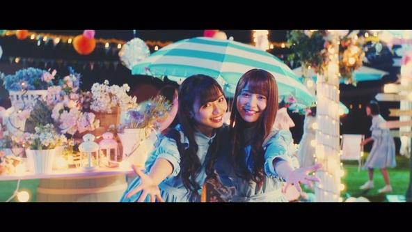 「キツネ」Music Videoより(1)