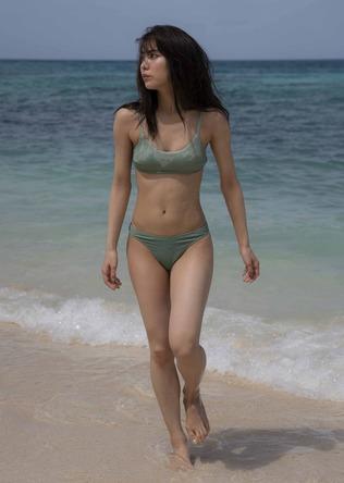 女子がなりたいカラダNO.1 石川 恋 3年ぶりの水着写真集がデジタル版で発売!! (1)