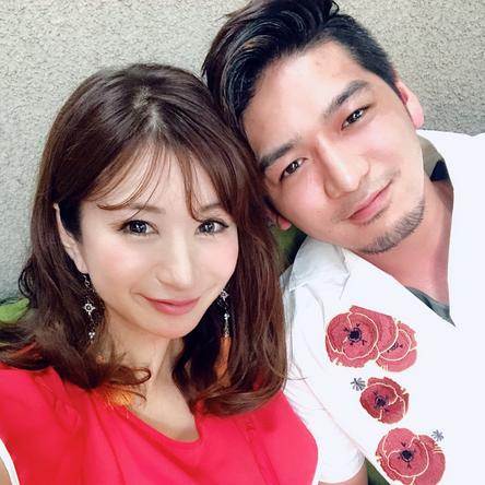 熊田勇太が公開した、中村江莉香との2ショット