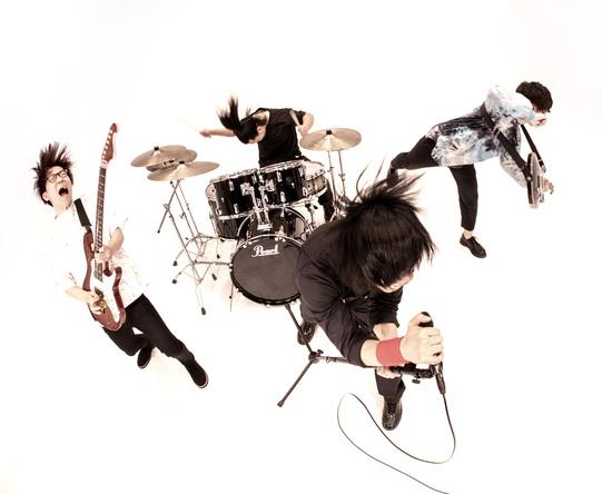 ファンタスティックロックバンドMr.FanTastiC、レコ発ワンマンライヴで初のオフィシャルグッズの販売が決定!ラインナップも公開! (1)