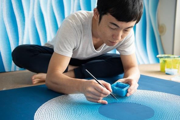 交通事故をきっかけに出現した新たな才能:音楽家GOMAの絵に谷川俊太郎の詩が織りなすハーモニー。心に響く画集『モナド』完成!  (1)