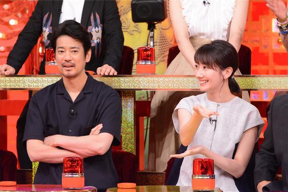 『THE突破ファイル』〈ゲスト解答者〉唐沢寿明、波瑠 (c)NTV