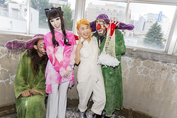 野沢直子とプリンセス天功が『スラバのスノーショー』の魅力を語る サプライズでクラウンが飛び入り参加