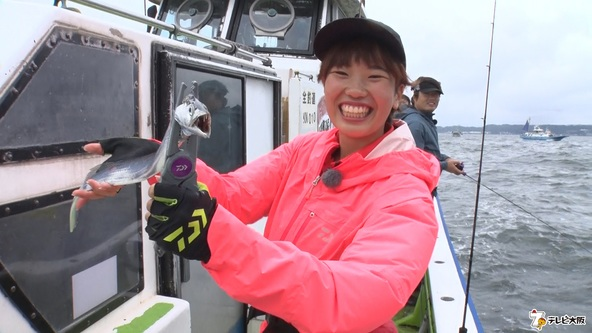 JK釣りガール大興奮!!初体験のタチウオ爆釣でテンションMAX!!