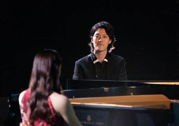 """ラン・ラン、土屋太鳳、""""霜降り明星""""粗品が3台のピアノを囲んで共演したミュージック・ビデオも公開!「#クラシックの100枚」キャンペーンスタート"""