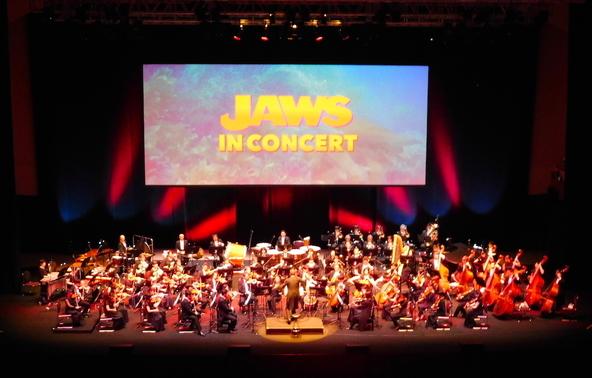 映画音楽の巨匠・ジョン・ウィリアムズのサウンドに酔いしれる 『「ジョーズ」in コンサート』が開催