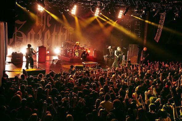 世界を狂騒の渦に巻き込んだthe GazettEのワールドツアー!アメリカ・NY公演の模様を貴重な舞台裏の様子を交え、いよいよ8/18(日)にWOWOWで独占放送! (1)