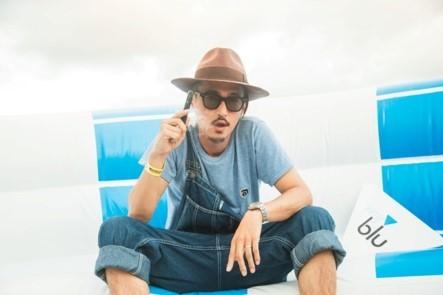 【事後レポート】ブランドアンバサダーの窪塚洋介さんがサプライズ登場!真夏のビーチで音楽とVAPEが楽しめる「myblu party」 を開催 (1)