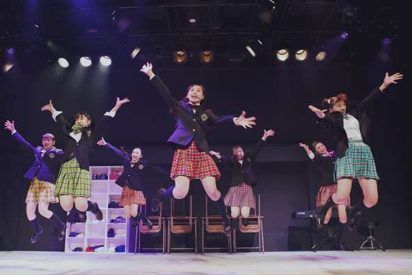 タップを踏むガールズグループ・ローファーズハイ!! 初のミュージカルで圧巻のパフォーマンス披露! (1)