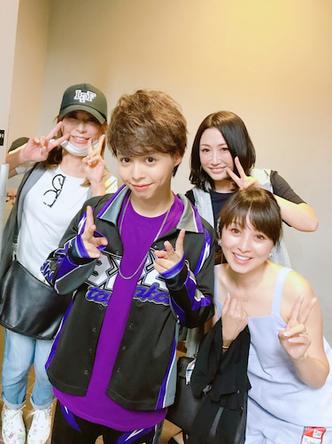 渡辺美奈代が公開した「B2takes!!」ライブ後の集合写真