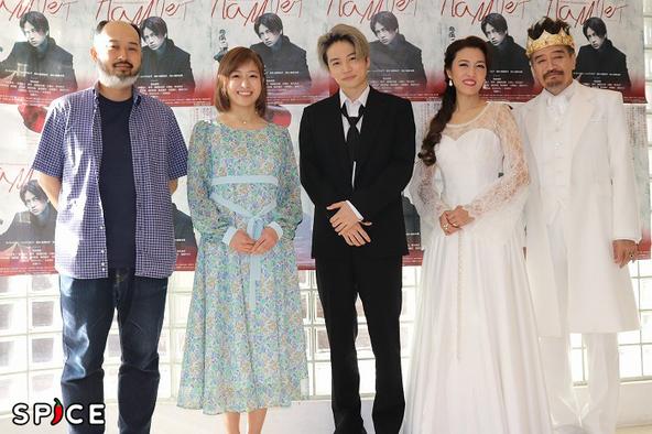 (左から)森新太郎、南沢奈央、菊池風磨、安蘭けい、大谷亮介