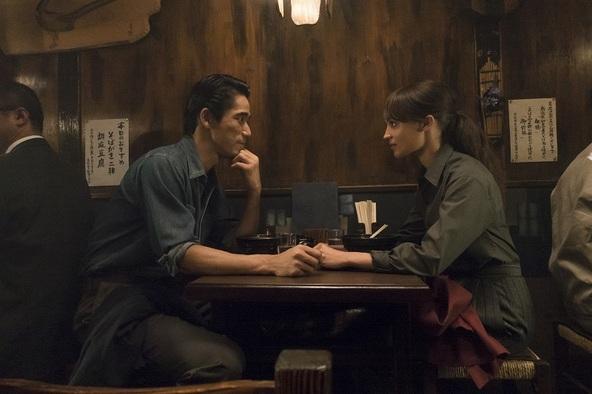 Netflixオリジナル映画『アースクエイクバード』  (c)11月15日(金)独占配信開始