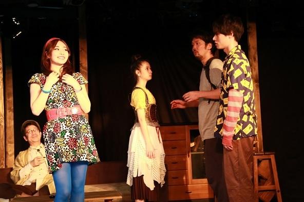 今城文恵が主宰する浮世企画 妖怪微ファンタジー家族劇『誰そ彼』が下北沢・駅前劇場で開幕