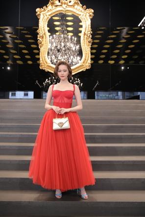 玉城ティナもフロントロウに! ドルチェ&ガッバーナが2020 春夏 ウィメンズ コレクションを発表。 (1)