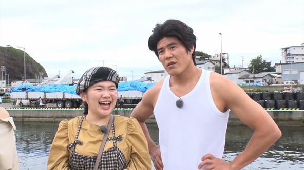 『教えてもらう前と後』「なつぞら」で夫婦役を演じた富田望生と板橋駿谷、知床の絶景スポットを巡る (c)MBS