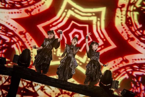 BABYMETAL 新たなフェーズの幕開けとなった6月の横浜アリーナ公演から、2日目の模様を10月11日(金)にWOWOWで放送!