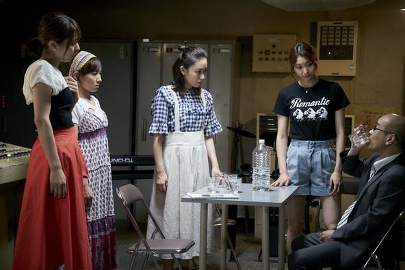 ドラマ「劇団スフィア」徳尾浩司監督 「SHELTER」より  (C)2019「劇団スフィア」製作委員会