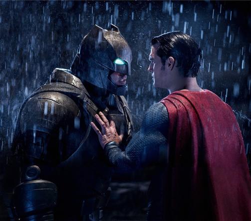 金曜ロードSHOW!『バットマンvsスーパーマン ジャスティスの誕生』場面(1) (C) 2016 Warner Bros. Ent. All Rights Reserved. TM & (C) DC Comics.