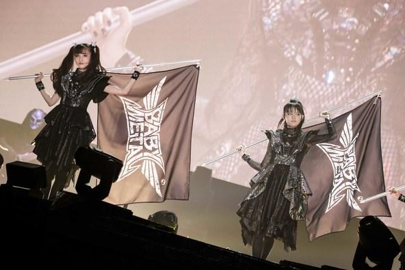 「BABYMETAL AWAKENS - THE SUN ALSO RISES -」より「『PA PA YA!! (feat. F.HERO)』ライブ映像(WOWOW特別バージョン)」を先行公開!! (1)  Photo by Taku Fujii