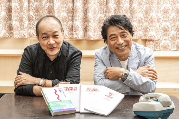 (左から)小田島恒志、加藤健一