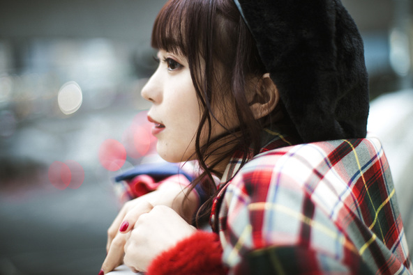 斉藤朱夏、1stシングルはTVアニメ『俺を好きなのはお前だけかよ』のOPテーマ「パパパ」と冬のバラード「36℃」を含む両A面シングル