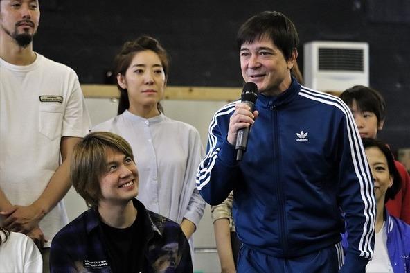 川平慈英と浦井健治が再び父と子を演じます!