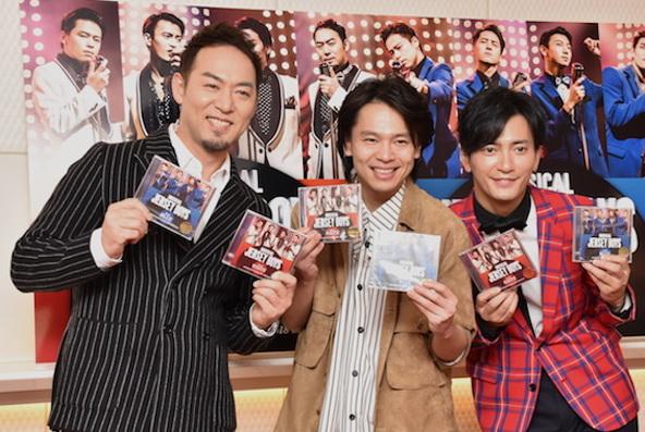 福井晶一、中川晃教、中河内雅貴(左から)