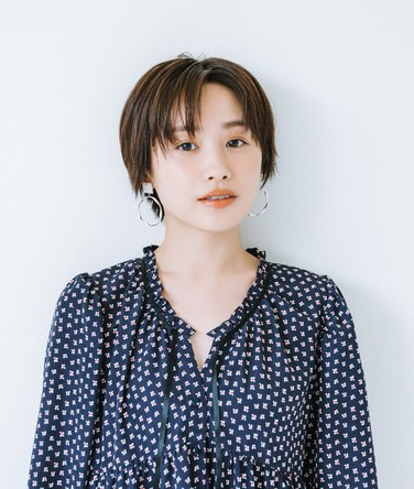 「H&M 岸和田カンカンベイサイドモール店」11月22日のオープンに、高橋愛さんがご来店!