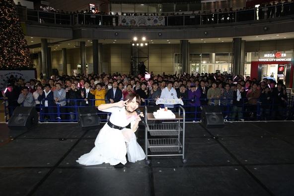 声優・富田美憂、20歳の誕生日&アーティストデビューシングルのリリースを記念したイベントを開催! (1)
