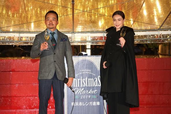 長谷川京子、横浜赤レンガ倉庫のクリスマスツリー点灯式に登場!20歳の頃の赤レンガデートの思い出を振り返る (1)