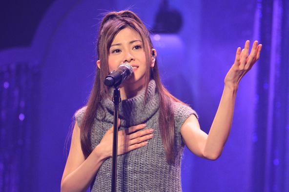 倉木麻衣、デビュー20周年ライブでヒット曲の数々に加え「たくさんの勇気をもらっている曲」ZARDの名曲「負けないで」のカバーも披露!