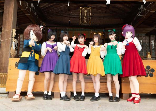 女性5人組アイドル、まねきケチャが東京・調布市の布多天神社で特別ステージ。「ゲゲゲの鬼太郎」のオープニングテーマ曲を初披露 (1)
