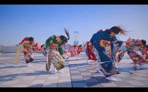 "Jewelが20人の女子たちと振袖でバキバキに踊る!""振袖ダンス""MVを公開!"