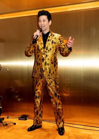 走裕介が東京・神楽坂でクリスマス スペシャルショー開催。オリジナル曲中心の昼の部とカバー曲中心の夜の部の2回公演、合わせて160人を魅了 (1)