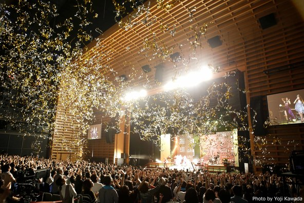 """JUJUがデビュー15周年を迎え""""あなたとつくる究極のリクエストライブ""""で魅せた、深い感謝、音楽への溢れる愛。WOWOWでオンエア!"""