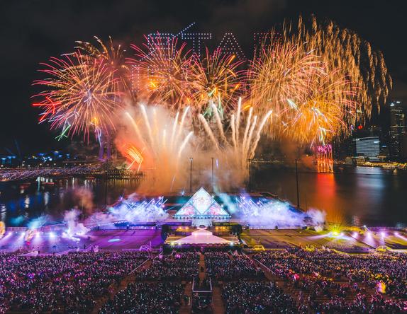 日本の伝統花火×ドローンが世界各国から集まった50万人を魅了!Avexが担うシンガポールのカウントダウン「STAR ISLAND SINGAPORE COUNTDOWN EDITION」レポート