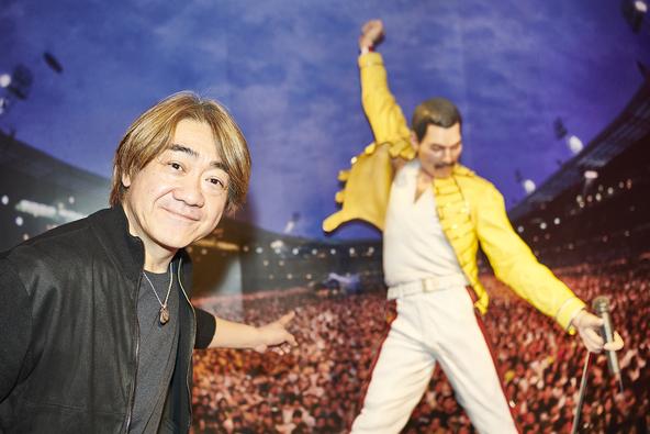 """野村義男と巡る『QUEEN EXHIBITION JAPAN』 日本屈指のギタリスト""""よっちゃん""""がクイーン展をロックに解説!"""