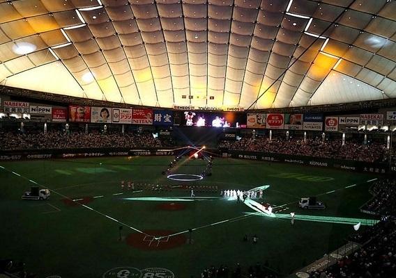 東京ドーム開幕戦のチケットは2/22から販売開始。写真は昨年の開幕セレモニーの様子