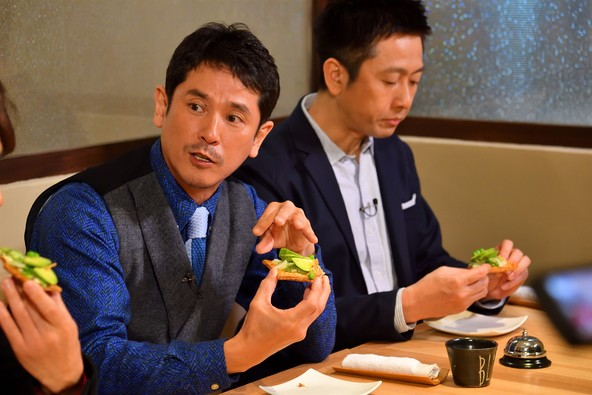 吉本興業と「白い恋人」の石屋製菓がコラボした意味深なスイーツとは? (1)
