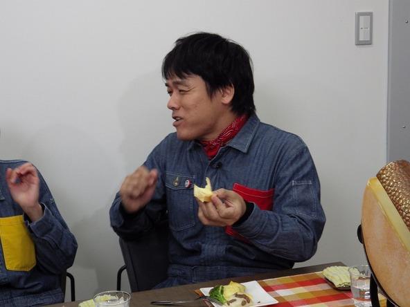 『あぐり王国北海道NEXT』絶品チーズに大興奮の森崎リーダー (c)HBC