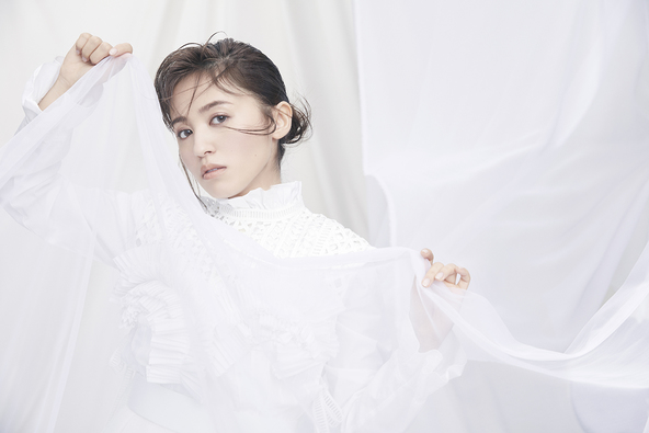 逢田梨香子1st Albumのタイトルは『Curtain raise』に !新ビジュアルも解禁 リリースイベントも開催決定