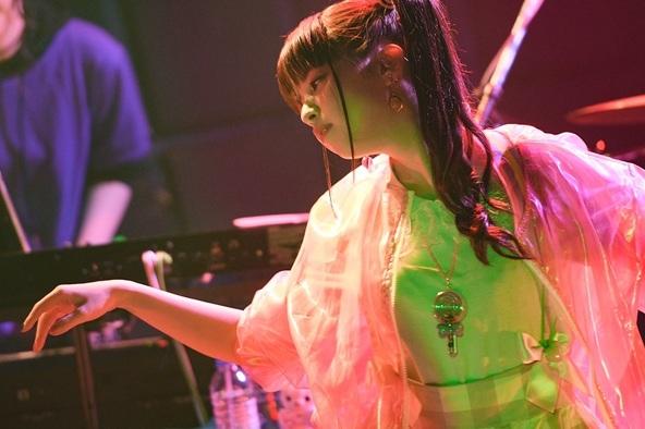 春奈るながプレミアムライブで新曲「PEACE!!!」を披露 ファンクラブイベントではRADWINPSのカバーも (c)撮影=佐藤祐介